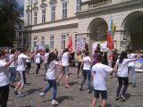 Понад півсотні львів'ян займались фітнесом в центрі Львова
