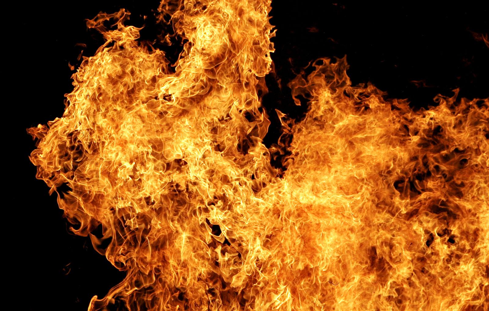 вогонь пожежа самоспалення