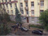 Міліціонер в лікарні. У Львові підірвали міліцейську машину