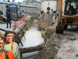 Басейн на місці площі – користувачі соцмереж висміюють ремонт на пл. Митній у Львові