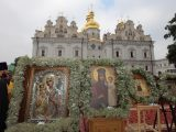 Понад 100 тис віруючих вклонилися чудотворним іконам Богородиці у Києво-Печерській лаврі