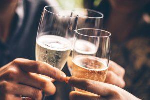 Сигарети і алкоголь тільки з 21 року: в Раді хочуть ввести нове обмеження
