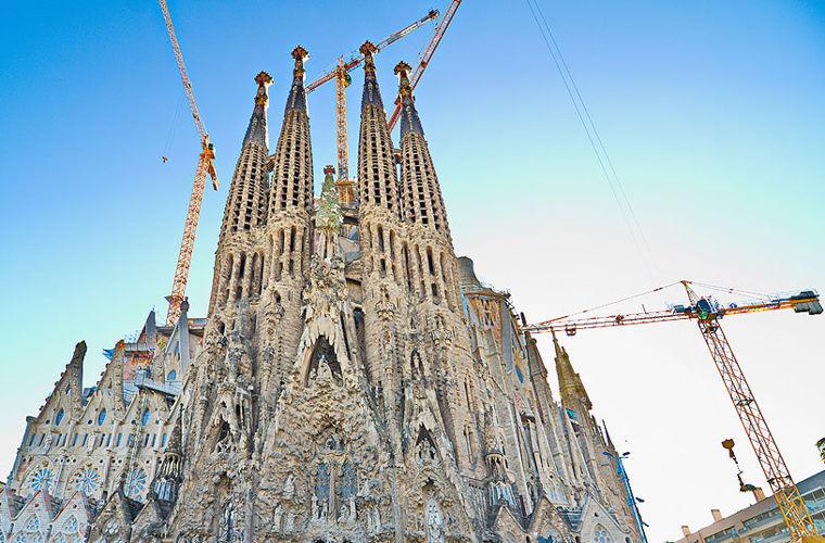 Храм Святого Сімейства, Іспанія