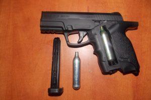 На Волині при перетині кордону упіймали перевізників зі зброєю та наркотиками
