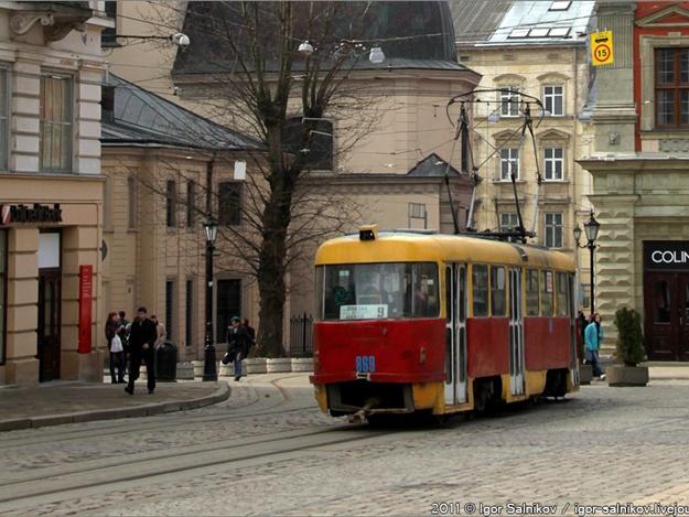 старий трамвай у львові