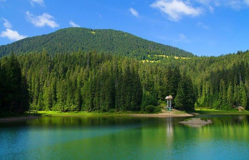 Озеро Синевир – перлина українських Карпат