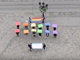 На площі Ринок провели флешмоб на підтримку ЛГБТ-спільноти (ВІДЕО)