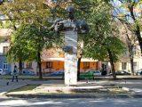 У Львові вночі невідомі розмалювали пам'ятник Тудору