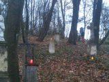Активісти запалили лампадки на могилах поляків, похованих на Львівщині