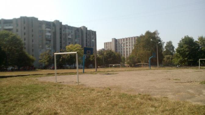 Реконструкція шкільного стадіону СЗШ № 15 по вул. Патона,7