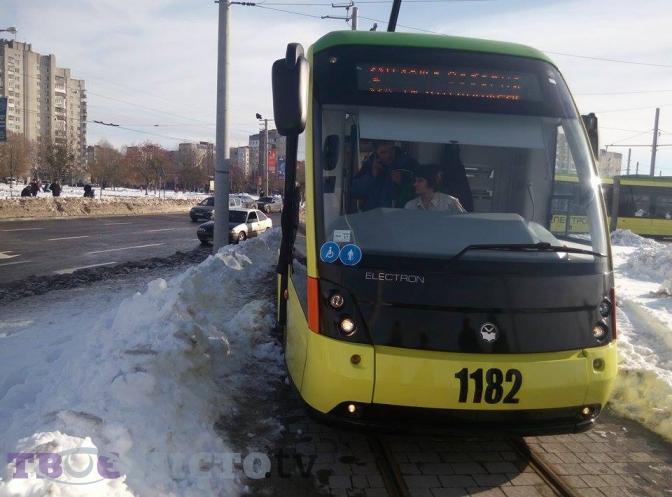 sogodni-17-go-listopada-vidbudetsya-pershiy-ofitsiyniy-reys-tramvaya-na-sihiv-2