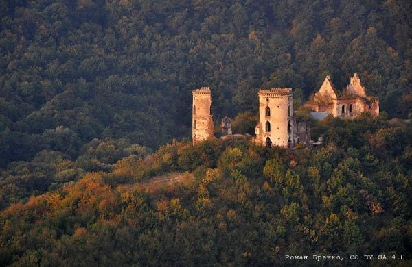 Червоногородський замок, село Нирків (Тернопільська область). Автор фото — Роман Бречко