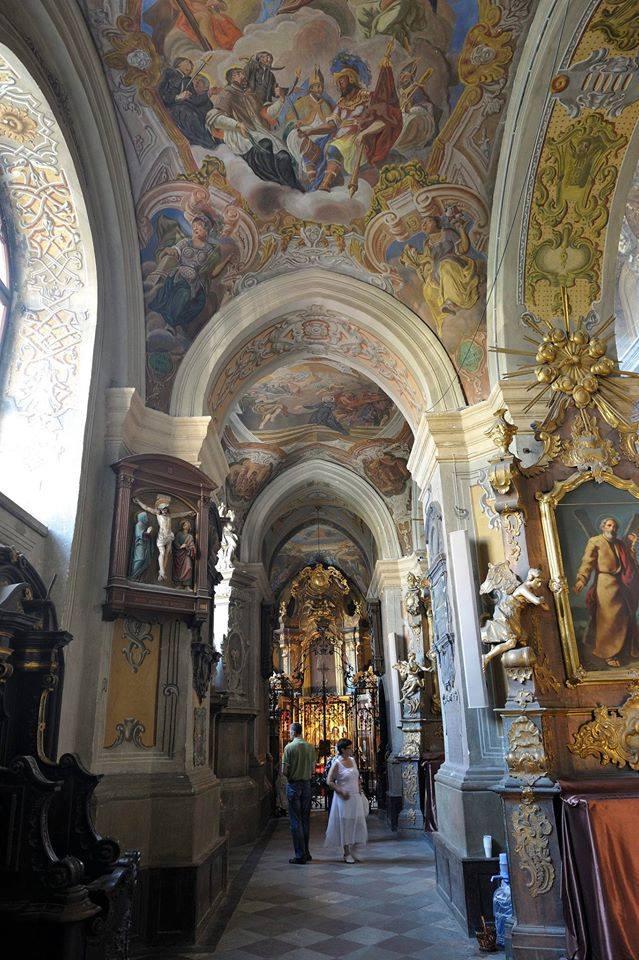 Інтер'єр Гарнізонного храму святих апостолів Петра і Павла © Wallace