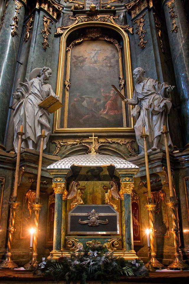 Інтер'єр Латинського кафедрального собору