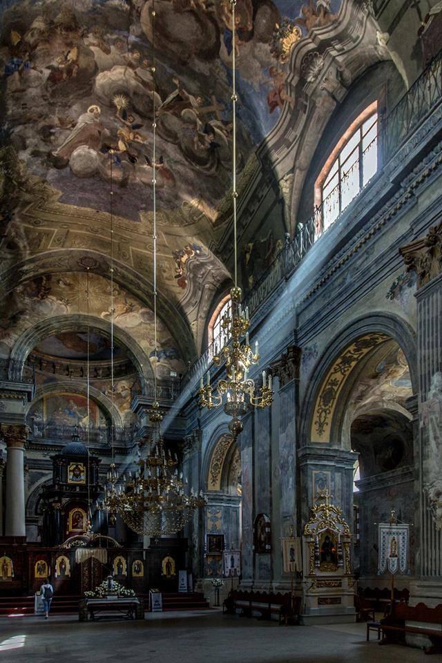 Інтер'єр Церкви Св. Михайла