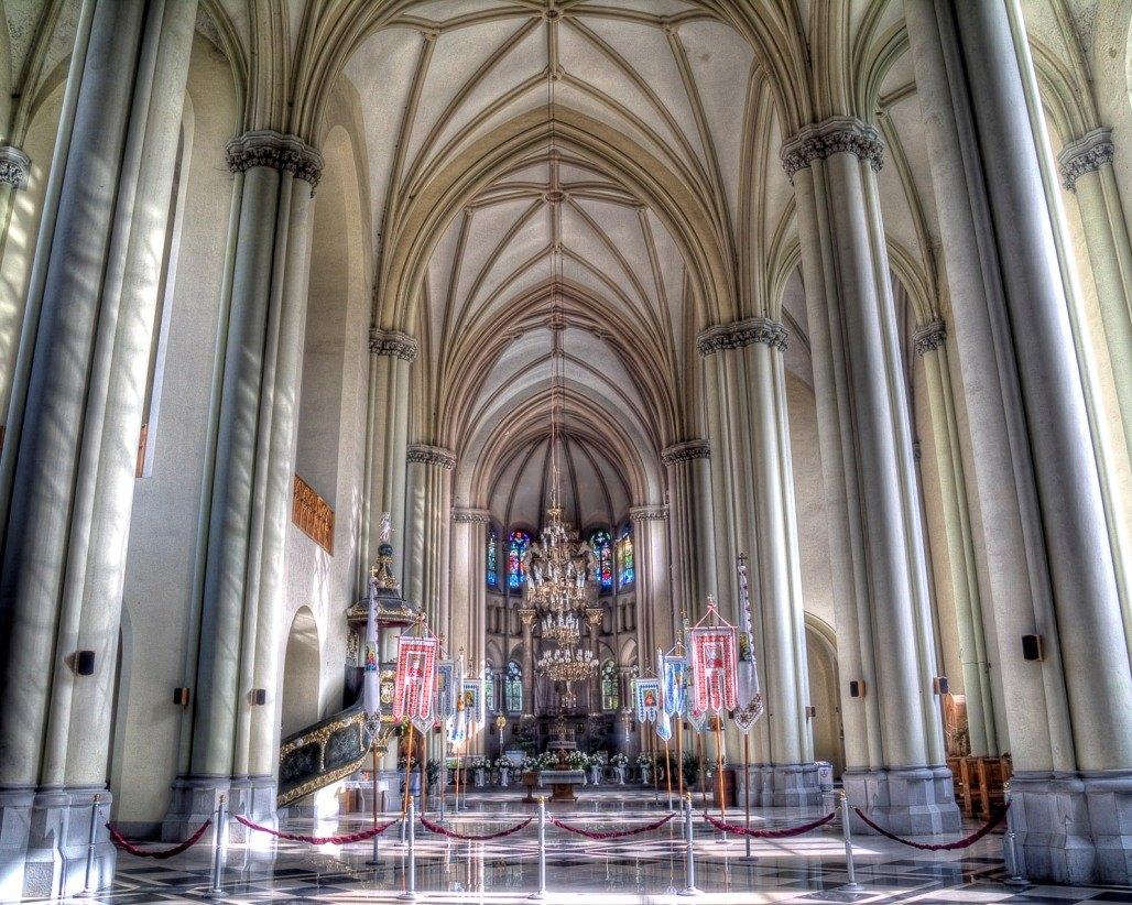 Інтер'єр Церкви святих Ольги і Єлизавети