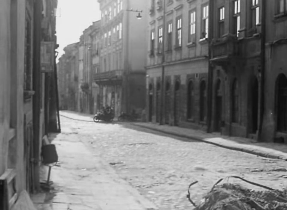 Кадр з фильму «Майор Вихор». Площа Ринок © youtube.com