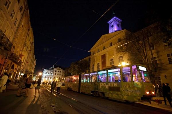 нічний трамвай львів