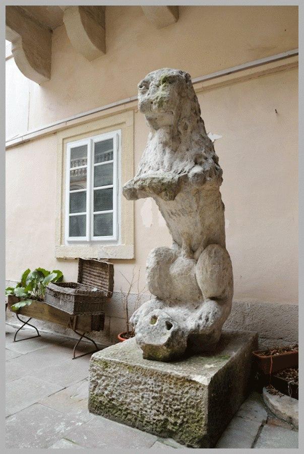 Лев Лоренцовича у наші дні на подвір'ї Львівського історчиного музею