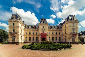 Десять старовинних палаців Львова