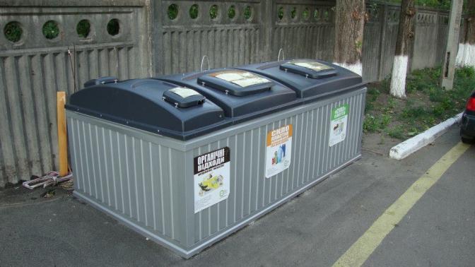 Підземні контейнери для сміття у Києві