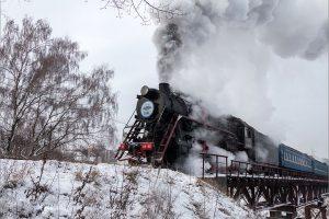 Потяг Святого Миколая: між Львовом і Брюховичами курсує ретро-потяг (графік, ціна, відео)