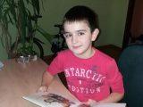 Львів'ян просять допомогти хлопчику подолати пухлину мозку