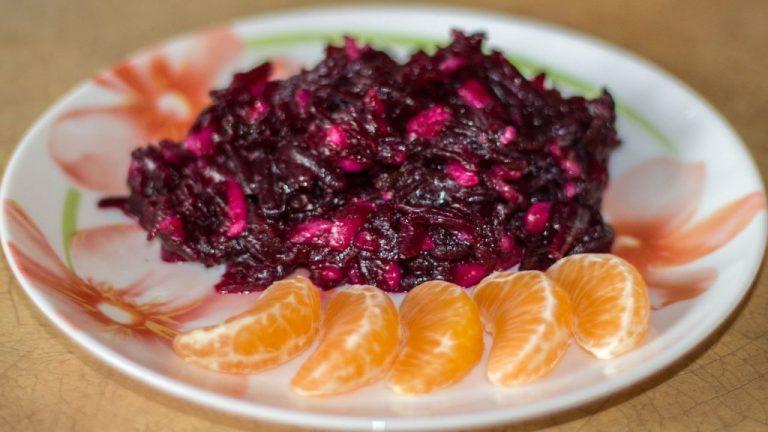 Как приготовить тушеную капусту рецепт с фото
