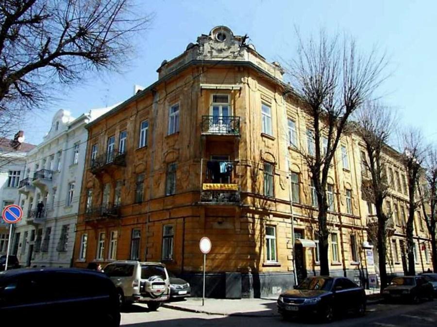 Будинок на вул. Академіка Богомольця №11а