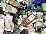 Львів'ян просять принести старі мобільні для хлопців на фронті