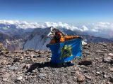 Львів'янин підняв прапор міста на найвищій горі Південної Америки. Фото