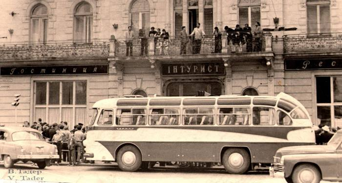 """Будівля готелю """"Жорж"""" у Львові, в радянські часи"""