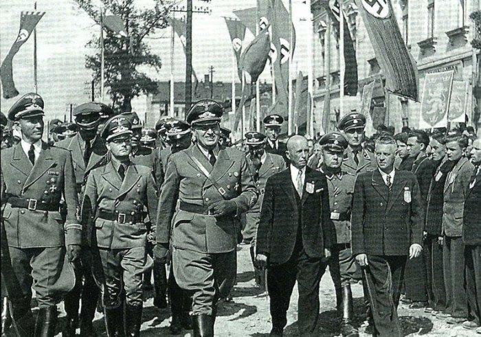 Френк і Вахтер відвідують Львів, 1943