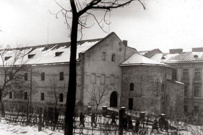 Львів, вежа Токарів та Линників поруч з Міським Арсеналом, де колись мешкав кат. Фото початку XX століття