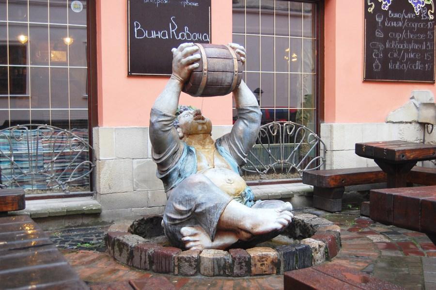 Пам'ятник винолюбу