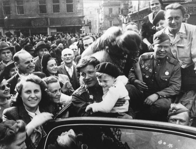Радянська армія у Львові. 1944 рік