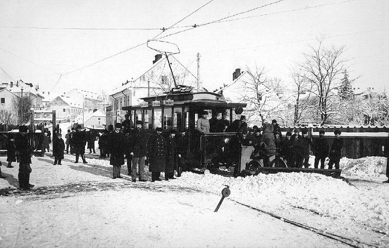 Трамвай поблизу депо (кінець XIX століття)