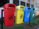 На Франківщині священик навернув селян сортувати сміття