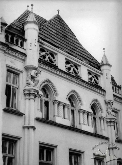 Фасад Будинку народної творчості, 1970-1975