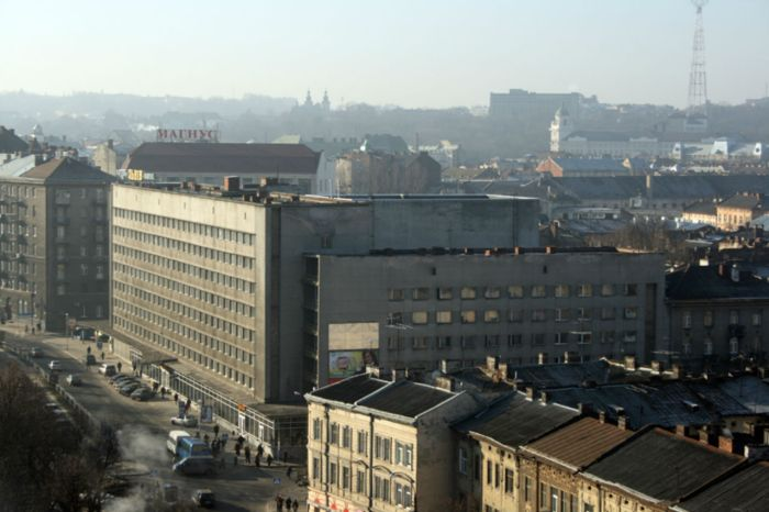 """Готель """"Львів"""",збудований 1964 року на місці площі Зернової."""
