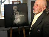 У Львові на аукціоні унікальних портретів літніх людей зібрали понад 90 тисяч гривень