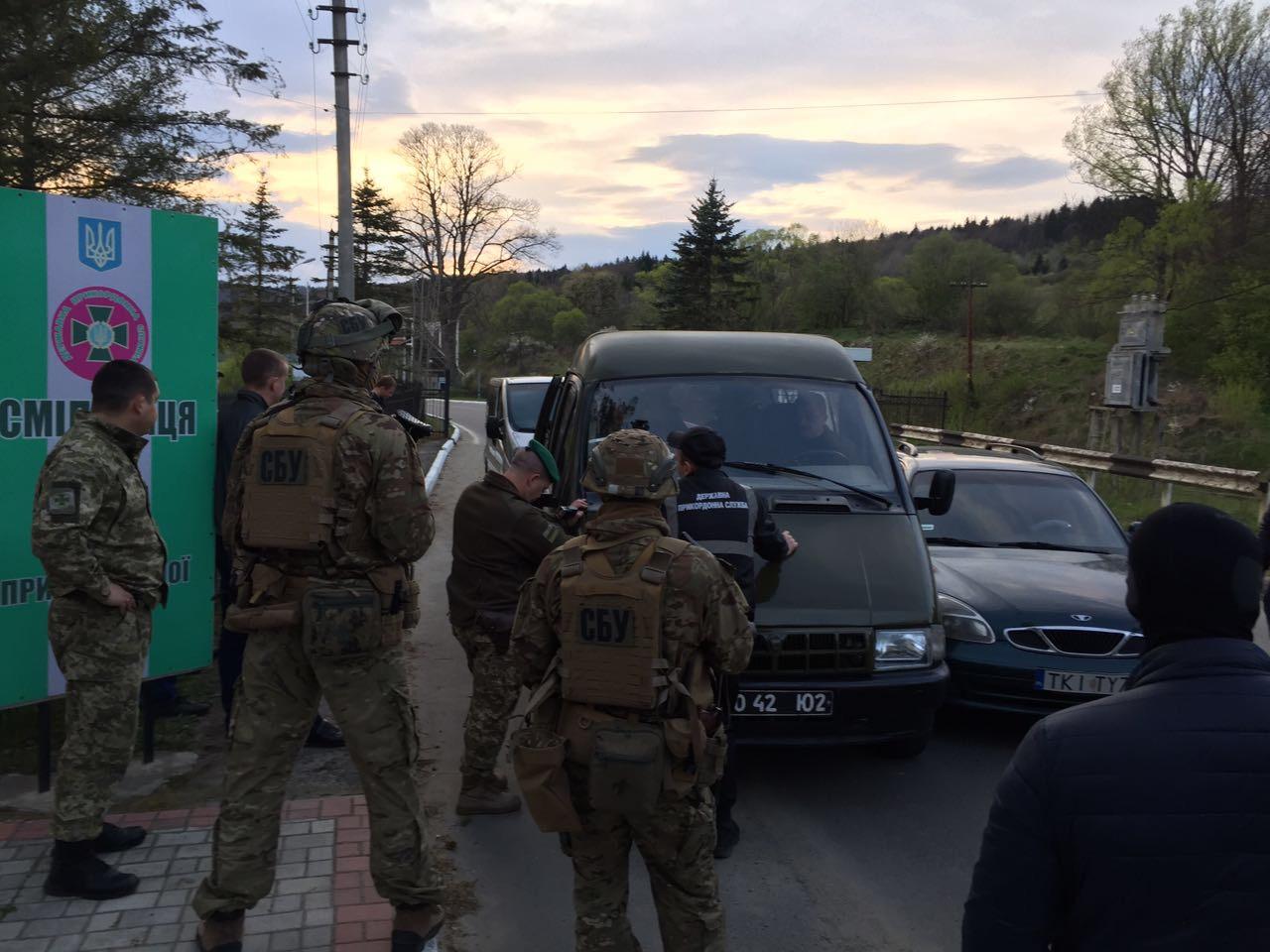 На Львівщині прикордонника упіймали на хабарі