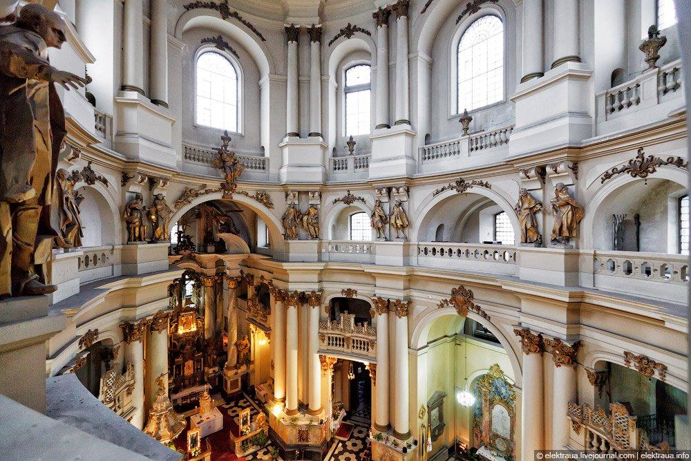 Інтер'єр Домініканського собору © elekrtaua.livejournal.com