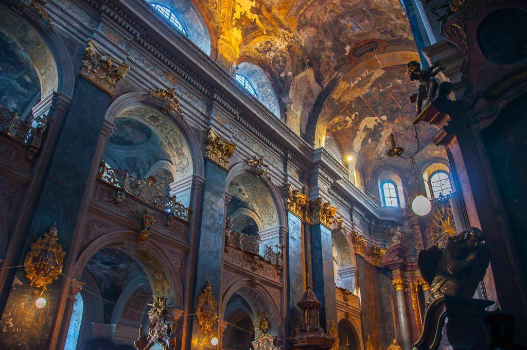 Інтер'єр Гарнізонного храму святих апостолів Петра і Павла © Volodymyr Iskra