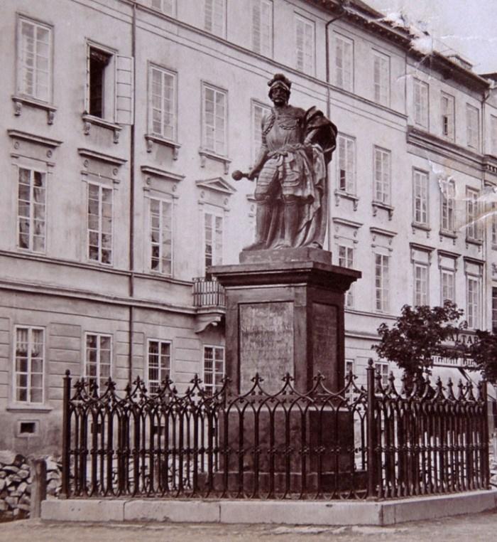 Пам'ятник гетьманові Станіславу Яблоновському
