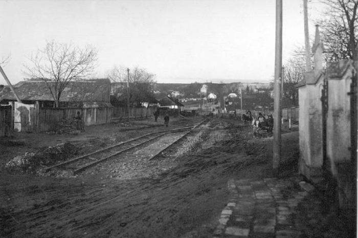 Прокладання трамвайної лінії вулицею Мечникова