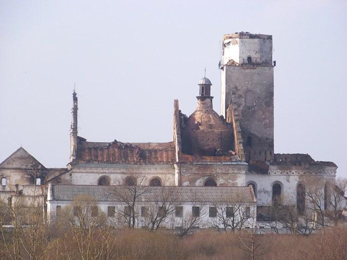 ренесансний монастир бернардинів із костелом Діви Марії на Сокальщині
