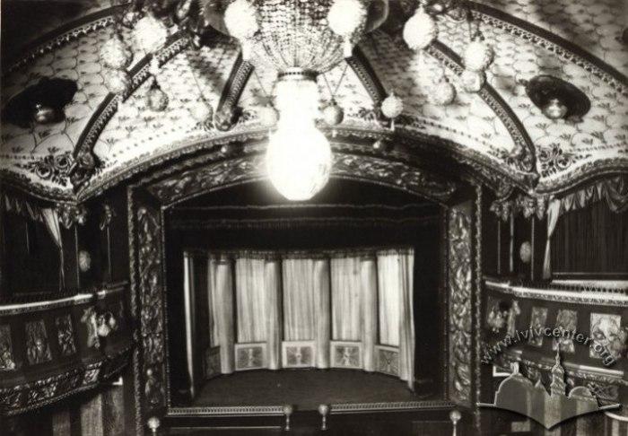 """Сцена театру-вар'єте """"Казино де Парі"""", 1910-1914"""