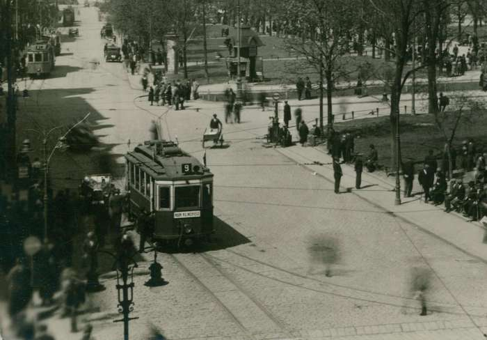 Вулиця Вали Гетьманські-Легіонів у Львові (нині пр-т Свободи), фото 1925 року