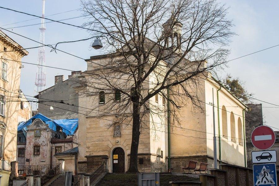 Давній костел Марії Сніжної, нині Церква Матері Божої Неустанної Помочі у Львові, 2015 рік